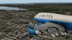 United 747 over Queens NYC
